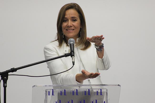 Margarita Zavala durante la reunión con simpatizantes. Algunos temas fueron educación y corrupción. Foto: Roberto Córdova-Leyva